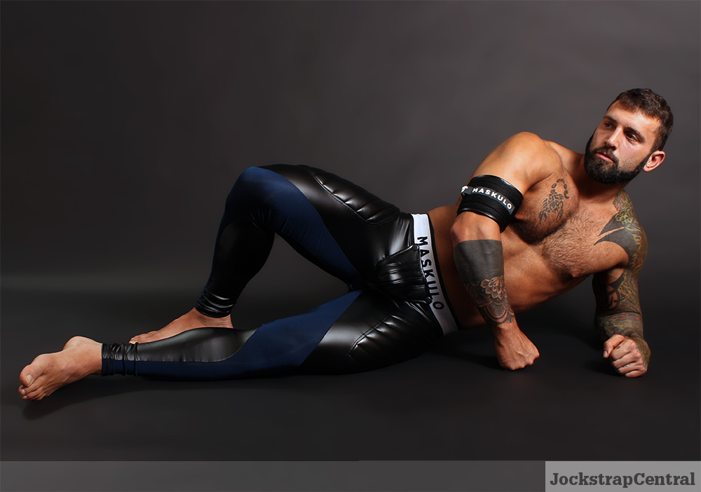 Maskulo Open Back Leggings featuring Simon
